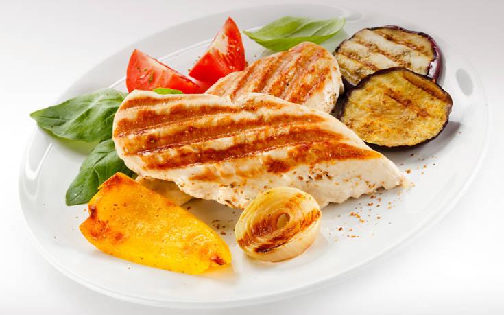 Φιλέτο κοτόπουλο με λαχανικά