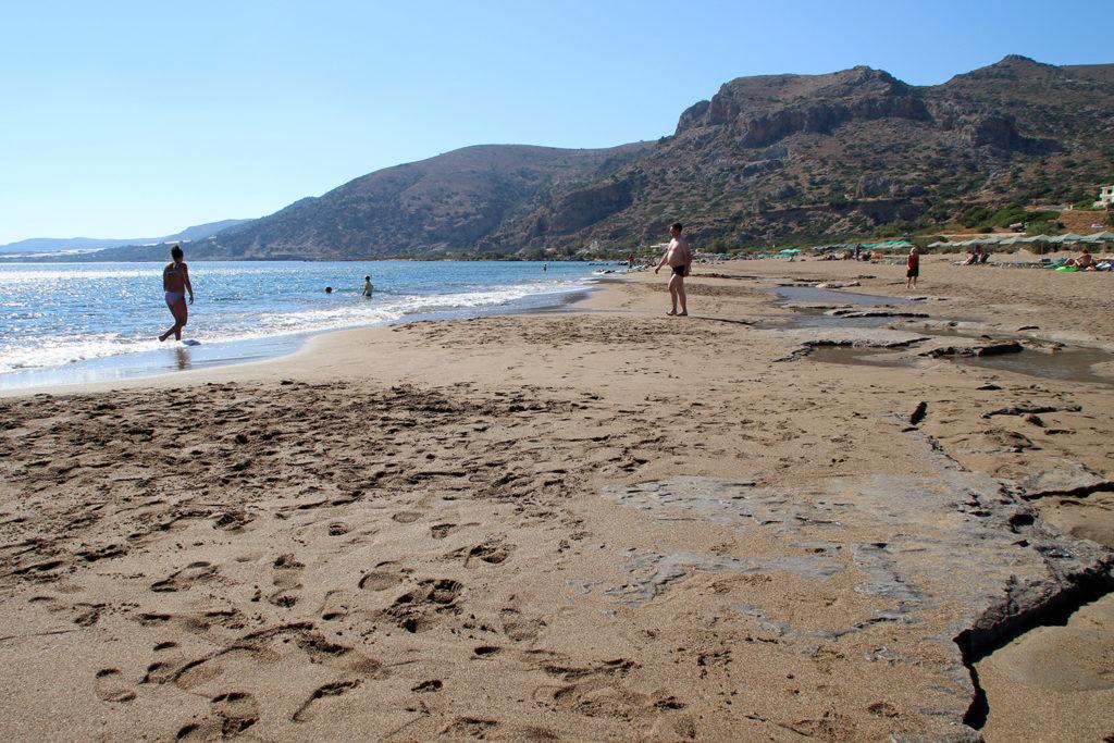 Συναγερμός στην Αμφιλοχία: 59χρονος φωτογράφιζε ανήλικα κορίτσια σε παραλία