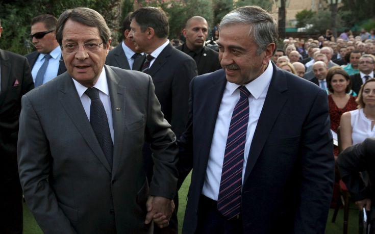 Στη σκιά των τουρκικών προκλήσεων η κρίσιμη συνάντηση Αναστασιάδη-Ακιντζί