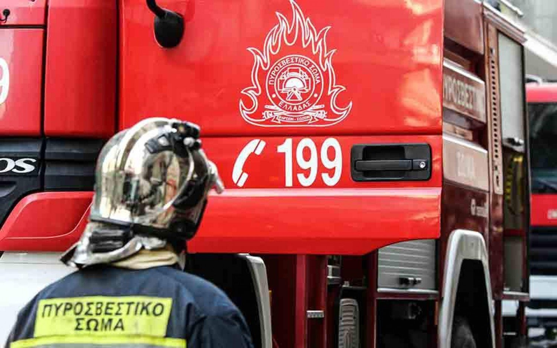 Πυρκαγιά σε διαμέρισμα στο Ηράκλειο – Μία τραυματίας