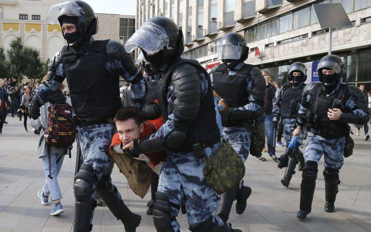 Η Γερμανία ζητά την ταχεία απελευθέρωση των διαδηλωτών που συνελήφθησαν στη Μόσχα