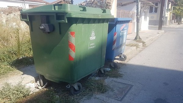 Αλεξανδρούπολη: Bρέθηκε άνδρας μέσα σε κάδο απορριμμάτων