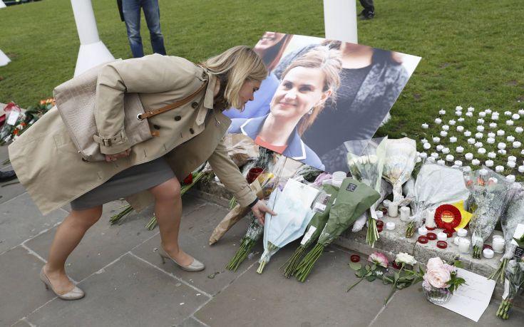 Το μήνυμα του συζύγου της δολοφονημένης Τζο Κοξ για το Brexit