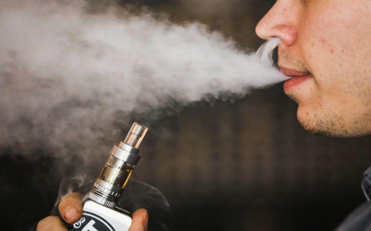 Δώδεκα νεκροί από ηλεκτρονικό τσιγάρο στις ΗΠΑ