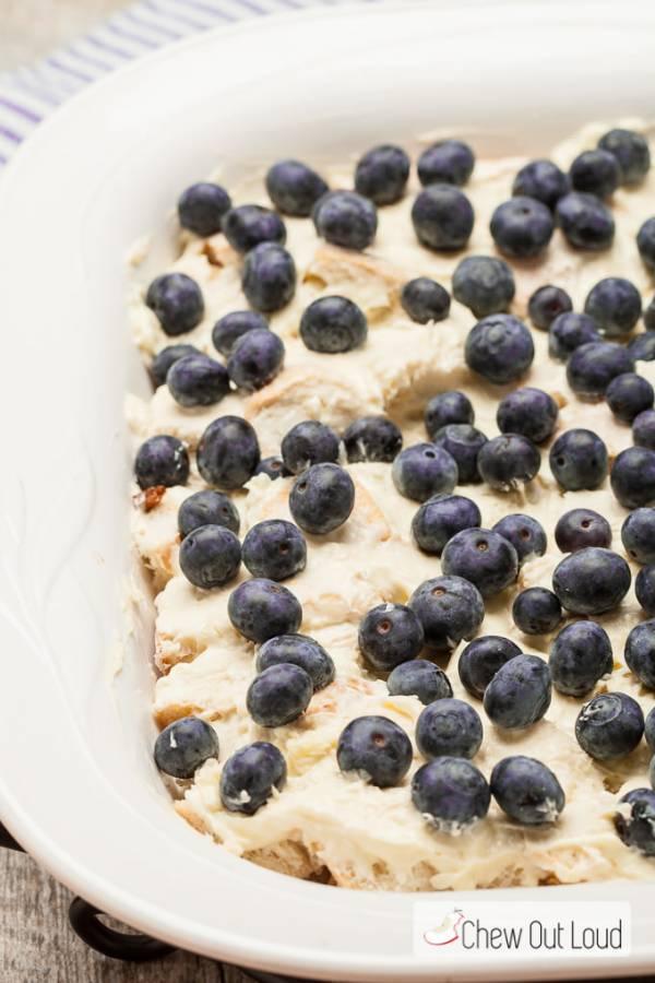 Ψημένο γαλλικό ψωμί  με blueberry (μύρτιλλο) και λεμόνι!