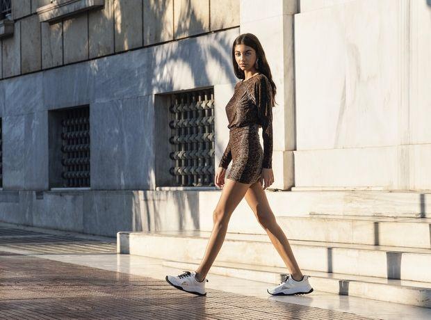 5 Ελληνίδες influencers φορούν ρούχα από ανακυκλωμένα υλικά και τα looks τους δεν ήταν ποτέ πιο stylish