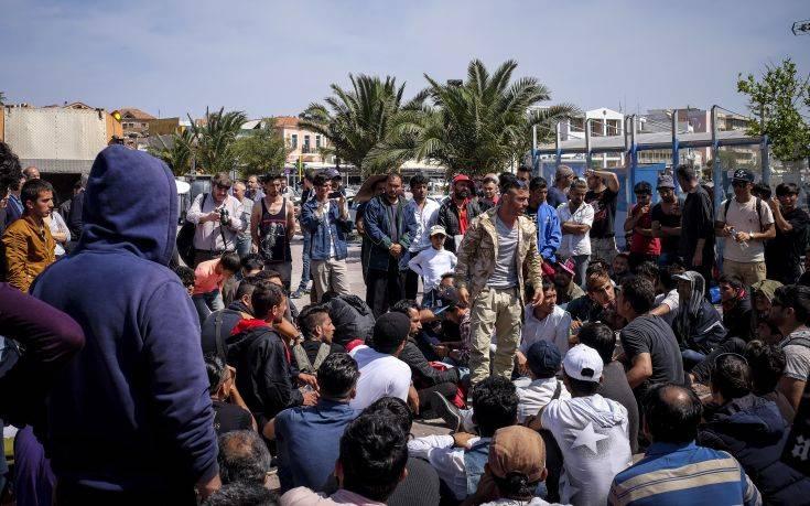 Περιφερειάρχης Βορείου Αιγαίου: Να μην αλλοιωθούν φυλετικά, θρησκευτικά και εθνικά τα νησιά