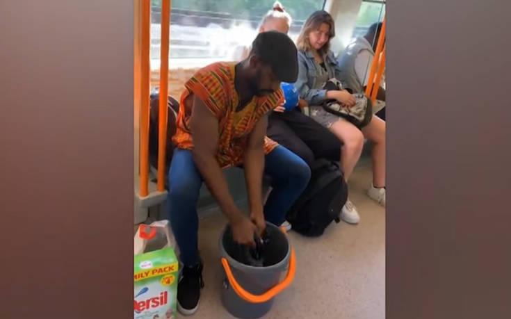 Έβαλε… μπουγάδα μέσα στο τρένο