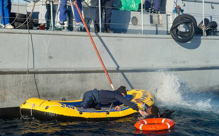 Στους δώδεκα ανέβηκαν οι νεκροί από το ναυάγιο πλεούμενου με μετανάστες στο Μαρόκο