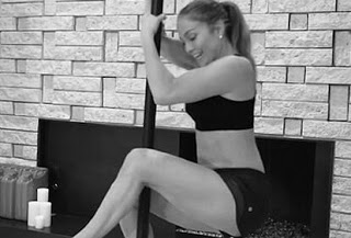 Jennifer Lopez: Σeξι, επιτυχημένη και εpωτευμένη – Στα παρασκήνια του «Hustlers» (videos+photo)