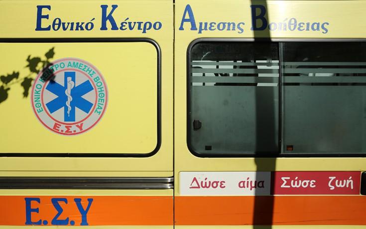 Νεκρός οδηγός μηχανής στην προσπάθειά του να αποφύγει ηλικιωμένο στα Καμίνια