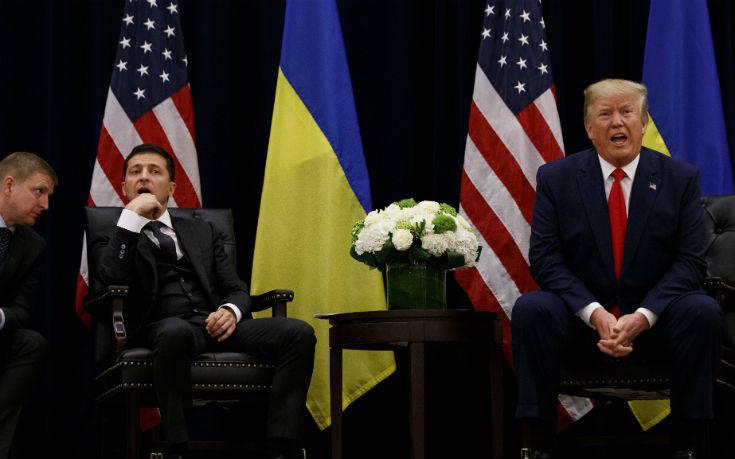 Πειράγματα αλλά και ένταση στη συνάντηση Τραμπ–Ζελένσκι