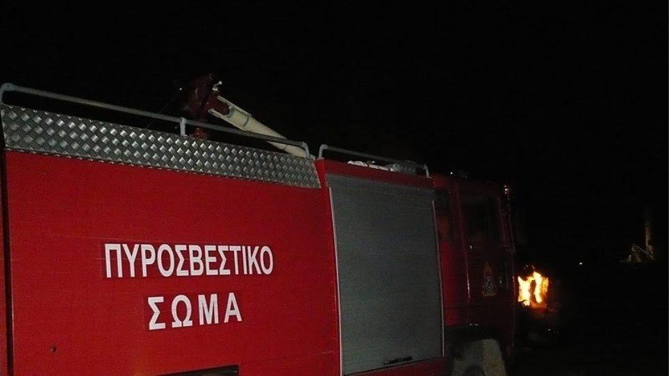 Αθήνα: Ένας νεκρός σε αυτοκίνητο που κάηκε στο κέντρο