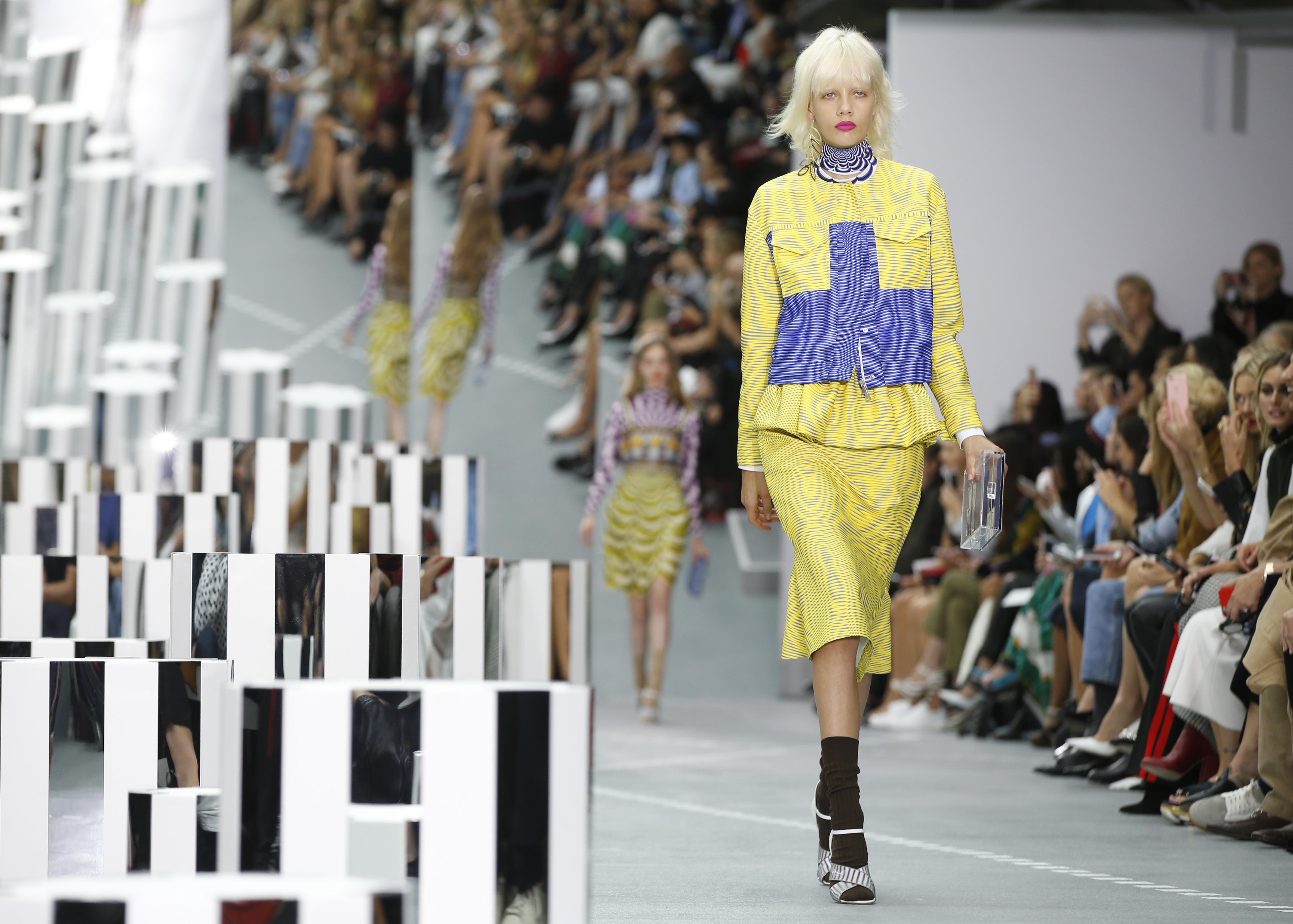 Η Mary Katrantzou θα παρουσιάσει το επόμενο fashion show της στην Ελλάδα