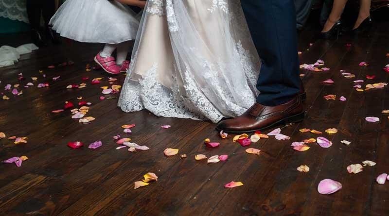 """Χαμός στη Λάρισα: Συμπέθεροι μετέτρεψαν τη γαμήλια δεξίωση σε """"ρινγκ"""""""