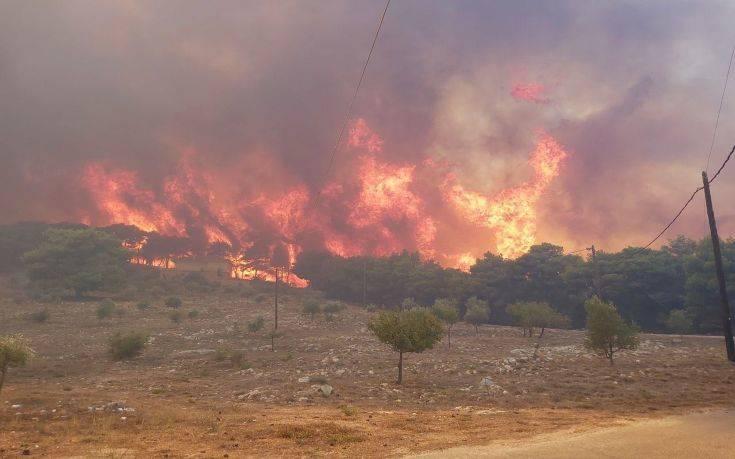 Φωτιά στη Ζάκυνθο: Διπλό ξαφνικό χτύπημα και μεγάλη κινητοποίηση της Πυροσβεστικής