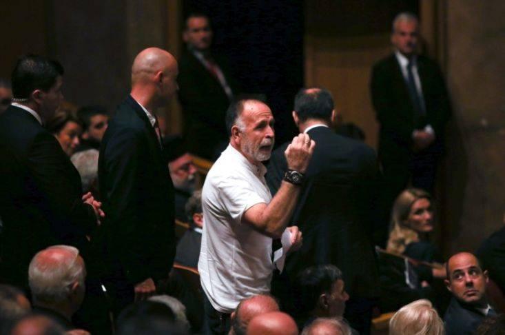 Πολίτης αποδοκίμασε τον Πρόεδρο της Δημοκρατίας σε εκδήλωση στη Θεσσαλονίκη
