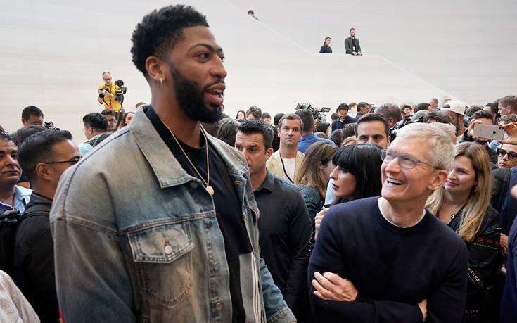 Έτσι «επιβράβευσε» η Κίνα την υποστήριξη της Apple για το Χονγκ Κονγκ