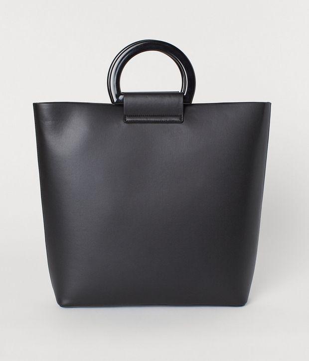 Οι 10 καλύτερες μαύρες τσάντες στις οποίες αξίζει να επενδύσεις