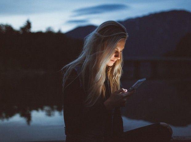 Caspering: Η νέα τάση στις σχέσεις που σε μπερδεύει ακόμα περισσότερο