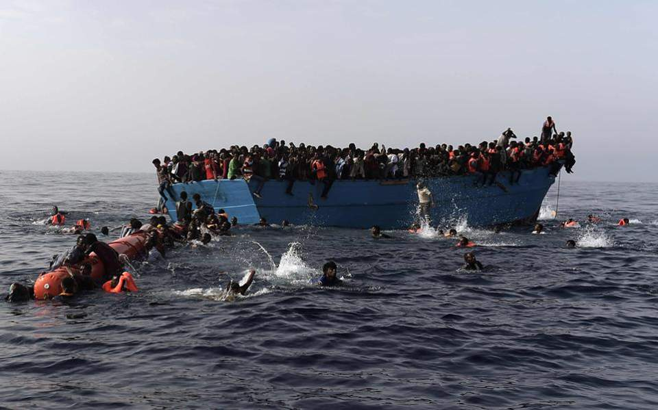 Αυξάνονται οι ροές: Δύο χιλιάδες πρόσφυγες και μετανάστες αποβιβάστηκαν σε έξι ημέρες στα νησιά