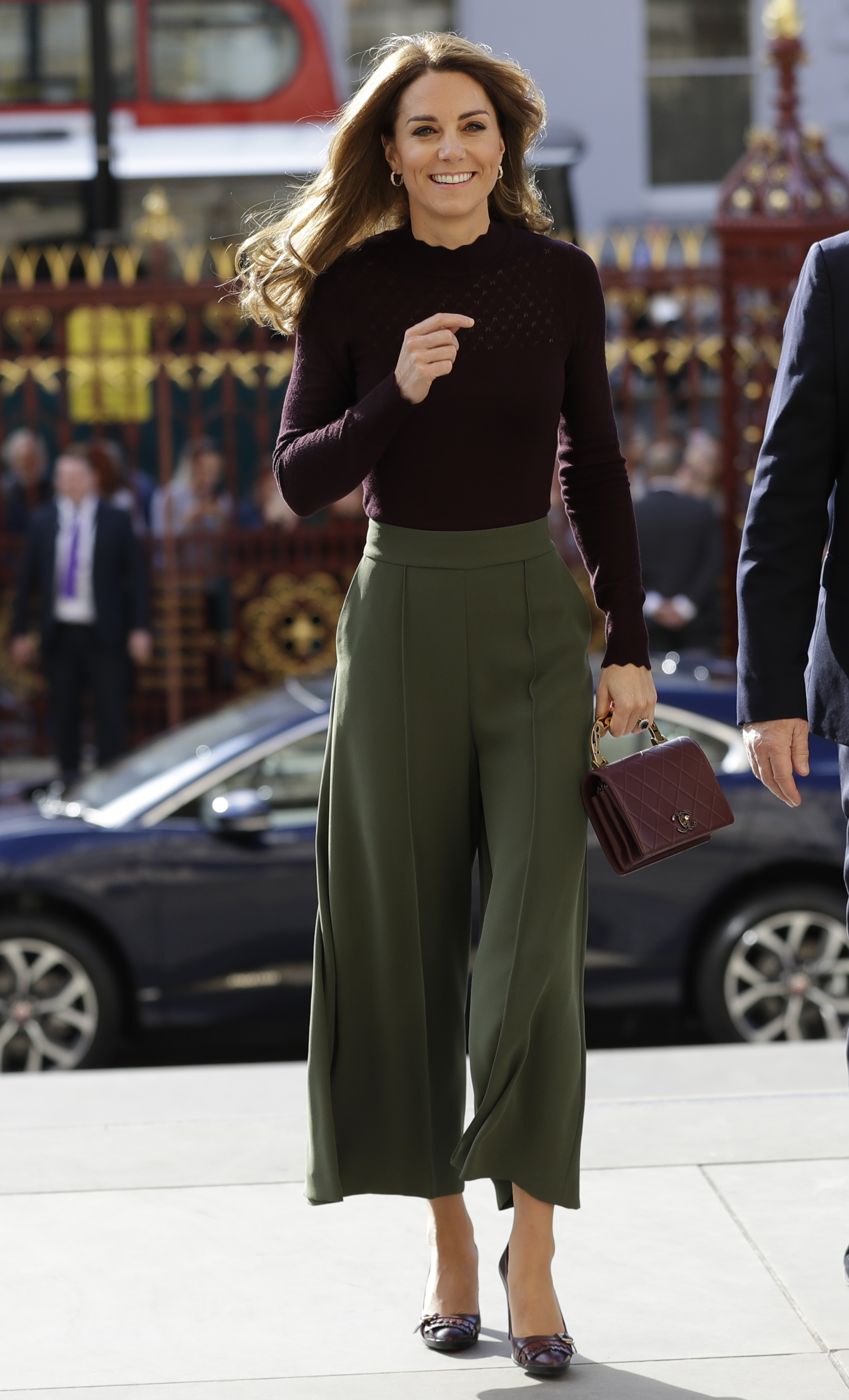H Kate Middleton μόλις φόρεσε τον πιο «δυνατό», χρωματικό συνδυασμό της χρονιάς