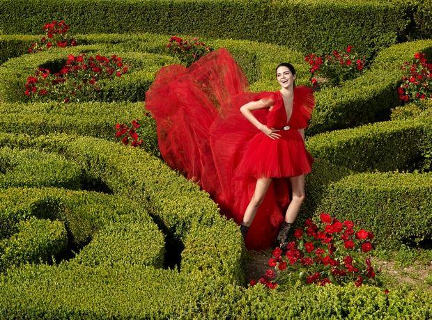 Αυτή είναι η συλλογή Giambattista Valli x H&M. Ο ρομαντισμός «χτυπάει» κόκκινο