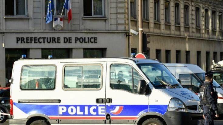 Δεν παραιτείται ο Γάλλος υπουργός Εσωτερικών για την σφαγή στο Παρίσι