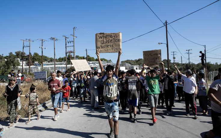 Μεταναστευτικό: 570 άτομα αναχωρούν από τη Μόρια