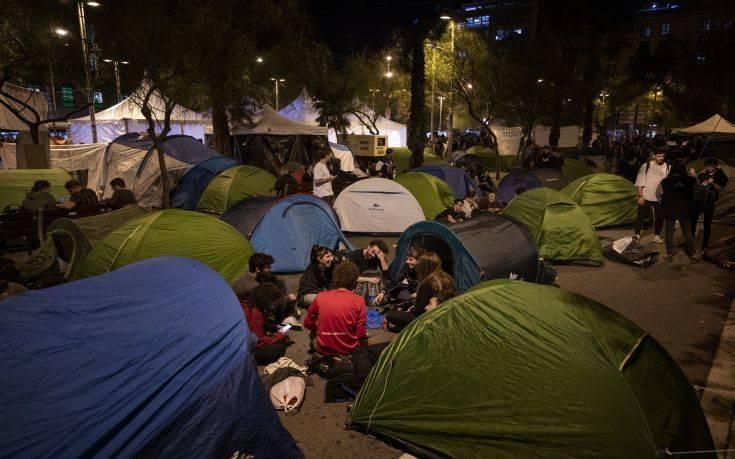 Συνεχίζονται οι αντιδράσεις στη Βαρκελώνη για την καταδίκη των αυτονομιστών ηγετών