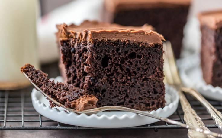 Κέικ σοκολατένιο με μαύρη μπίρα