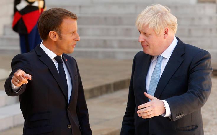 Μακρόν: Η Βρετανία να πληρώσει το τίμημα για οποιαδήποτε απαράδεκτη ενέργεια για το Brexit