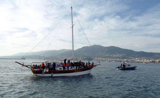 Ιστιοφόρο σκάφος με 60 πρόσφυγες και μετανάστες εντοπίστηκε ανοιχτά της Μεσσηνίας