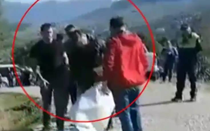 Έντονο επεισόδιο με τους γονείς του Κωνσταντίνου Κατσίφα και αστυνομικούς
