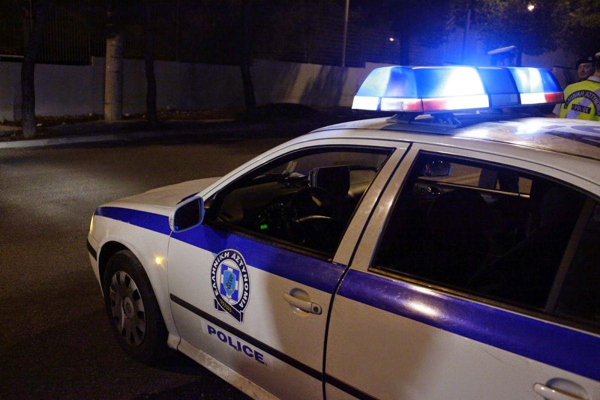Επίθεση με γκαζάκια στα γραφεία της Χρυσής Αυγής στην Αθήνα
