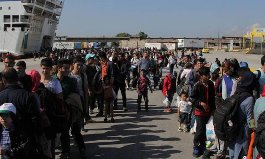 Στον Πειραιά έφτασαν άλλοι 367 πρόσφυγες και μετανάστες από τη Μυτιλήνη