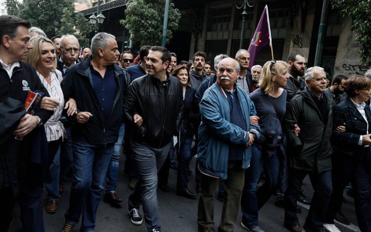 Πολυτεχνείο: Ένταση στην πορεία με μέλη του ΣΥΡΙΖΑ