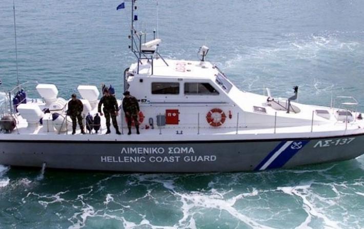 Συνελήφθη άνδρας που μετέφερε 22χρονη από τη Χίο στον Πειραιά μέσα σε βαλίτσα