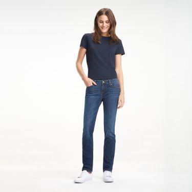 Οδηγός Αγοράς: 10 straight jeans που κολακεύουν όλους τους σωματότυπους