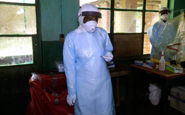 Λουκέτο σε ραδιοφωνικό σταθμό που δίνει μάχη κατά του Έμπολα