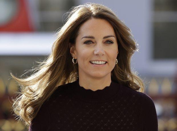 Το outfit της Kate Middleton μπορεί να είναι το επόμενο office look σου