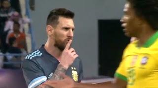 Η κίνηση του Μέσι στον προπονητή του για να σωπάσει