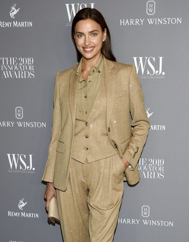 H Irina Shayk στα WSJ Awards φόρεσε την τέλεια εκδοχή του power suit και πάθαμε έρωτα