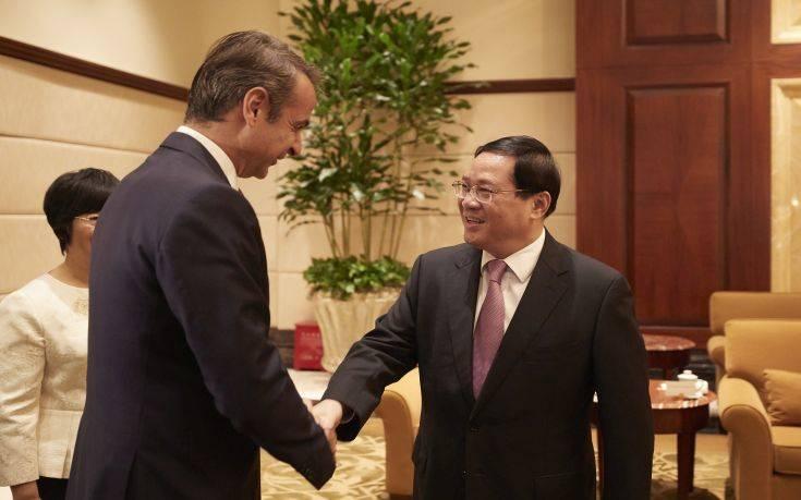 Συνάντηση Μητσοτάκη με τον Γενικό Γραμματέα Σανγκάης του Κομμουνιστικού Κόμματος Κίνας