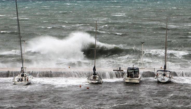 Κακοκαιρία Βικτώρια: Σε κατάσταση έκτακτης ανάγκης περιοχές της Κέρκυρας