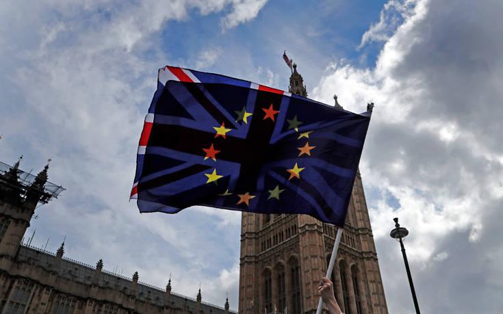 Πρώτα θα συγκροτηθεί η νέα Κομισιόν και μετά θα στείλει επίτροπο η Βρετανία