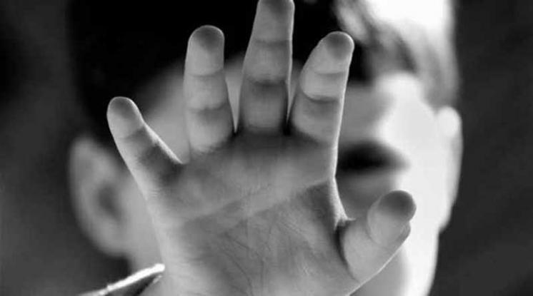 Ανατολική Αττική: Γονείς εξέδιδαν τα δίδυμα παιδιά τους σε ζευγάρι
