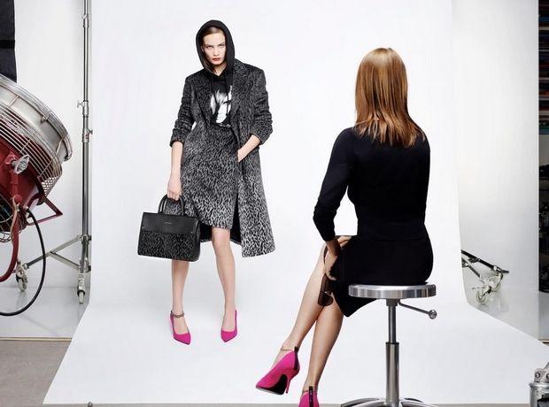 Carine Roitfeld x Karl: Αυτή είναι η πρώτη συλλογή της ιέρειας της μόδας για τον οίκο Karl Lagerfeld