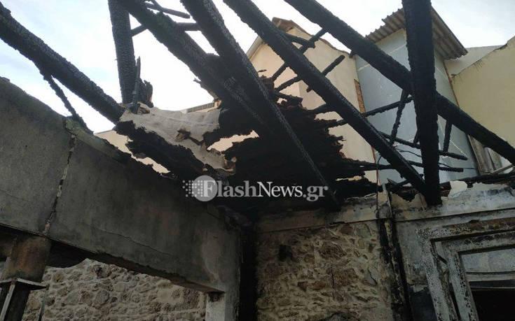 Μεγάλη φωτιά κατέστρεψε ολοσχερώς καφέ – μπαρ στα Χανιά