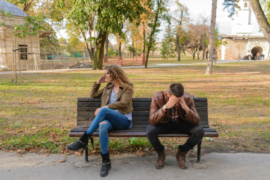 Πώς να βάλεις τους γονείς στη… θέση τους αν επεμβαίνουν στη ζωή σου;